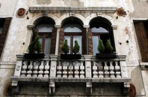balcon_cu_3_ferestre_re